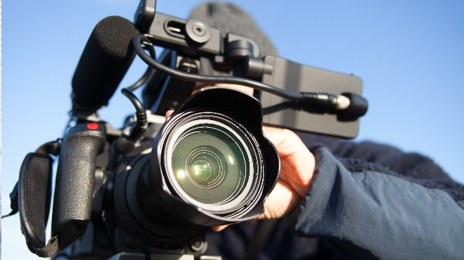 ムービーカメラマン