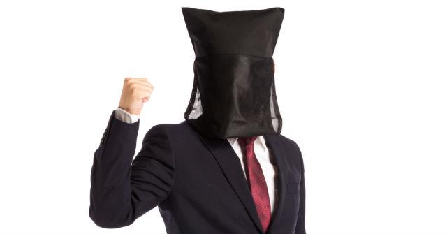 稼げる仕事に就く風俗の男性スタッフ