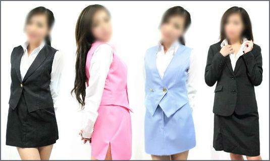 スーツを着た風俗嬢たち